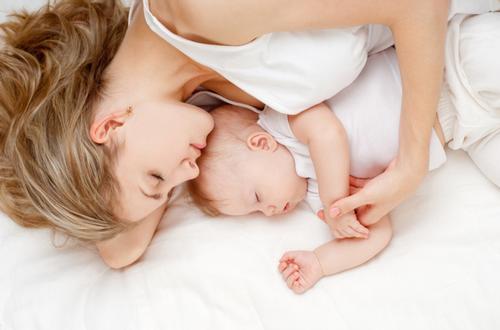 Nace el primer bebé sano de una madre con coronavirus en Cataluña