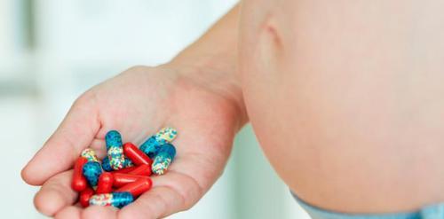 El abordaje del trastorno por uso de opioides durante el embarazo mejora los resultados en el posparto