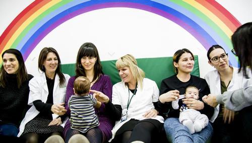La Unidad de Salud Mental Perinatal del Clínico-Barcelona inaugura el primer Hospital de Día Madre-Bebé en España